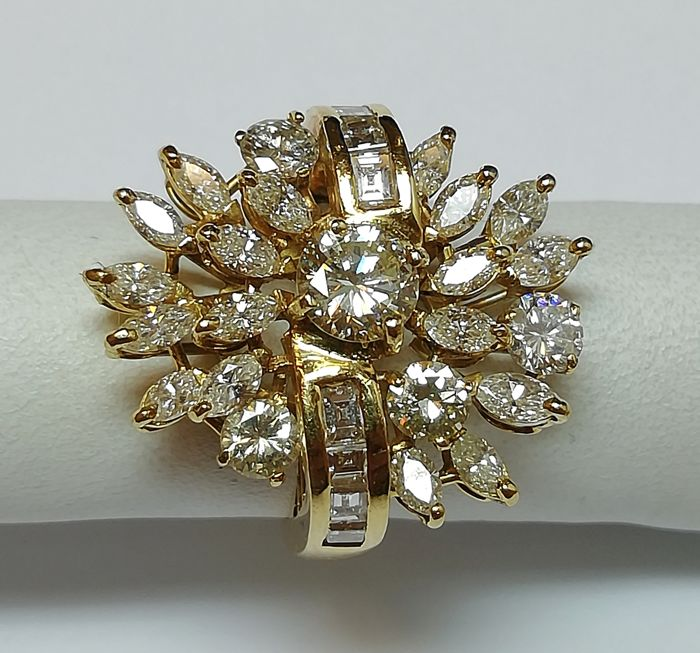 Presta - 18 kt. Yellow gold - Ring - 0.75 ct Diamond - Diamonds