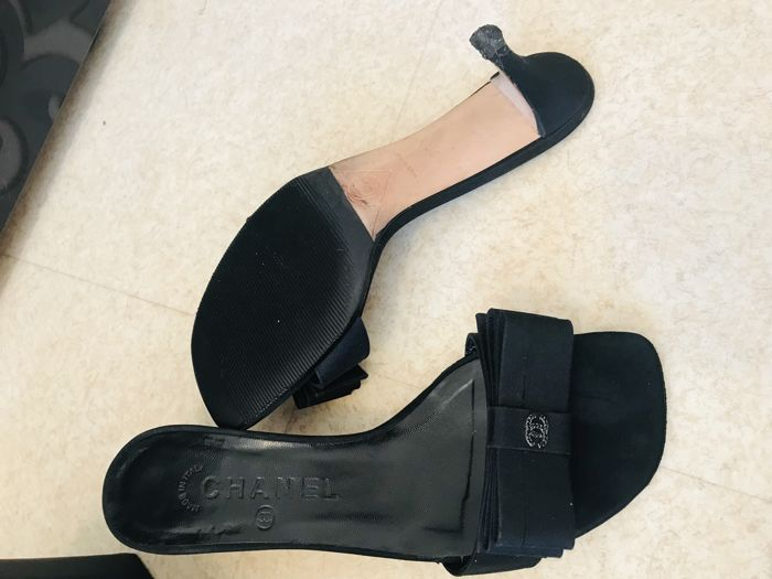 ff9d067ee05e Chanel Mules - Catawiki