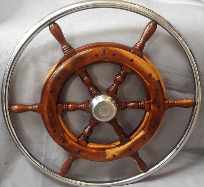 Ship's wheel, with stainless steel edge - Mahogany wood, brass, stainless steel - 20th century