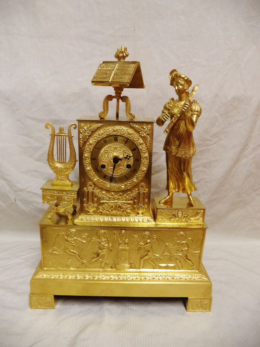 grote empire pendulum - woman with harp - Gilt bronze - 1790/1810