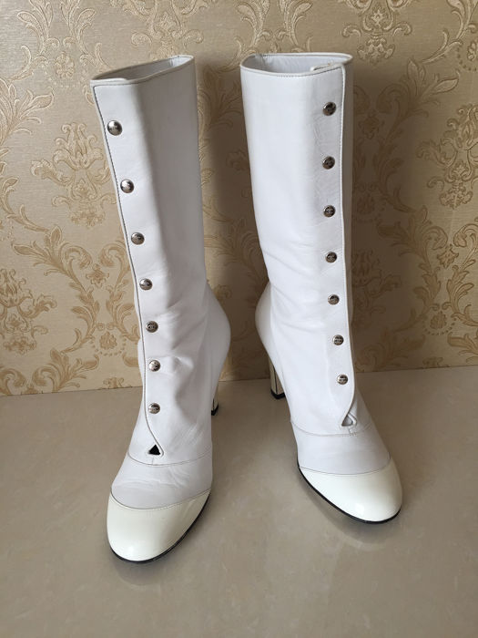 Chanel Boots - Size: IT 37.5