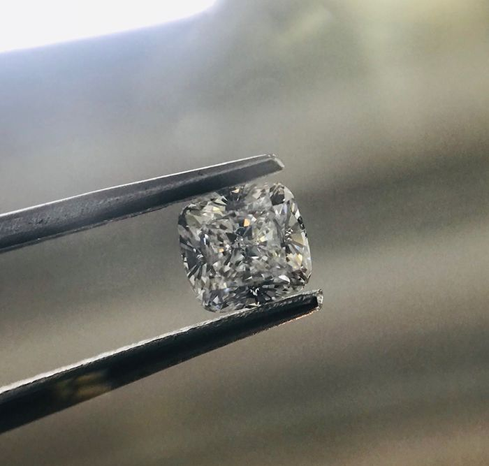1 pcs Diamante - 0.57 ct - Cojín - D (incoloro) - VVS1