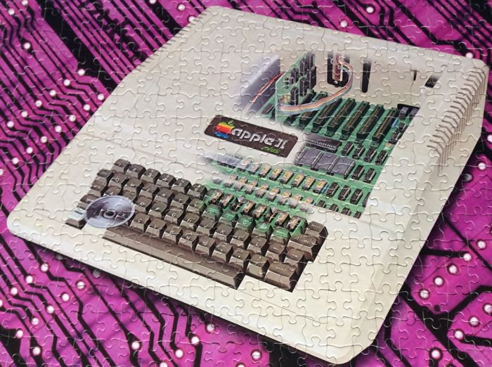 1 Apple II Plus Personal Computer Jigsaw Puzzle - Promotional material (1) - In original box