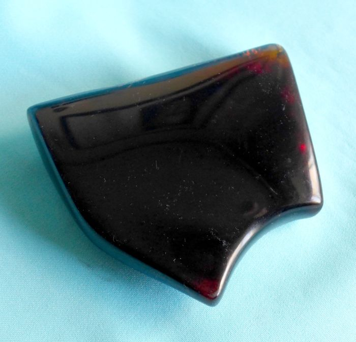 Piece of Amber Polished for the most part. - 110×95×28 mm - 153 g