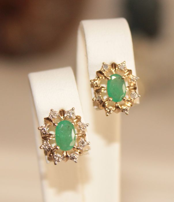 14 kt. Yellow gold - Earrings - 1.00 ct Emerald - Diamonds