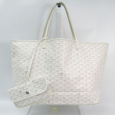 c6f01f5898 Exclusive Bags Flash Auction - Catawiki