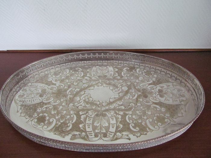 Large silver plated tray with edged edge - Silver plated Copper - U.K. - 1900-1949