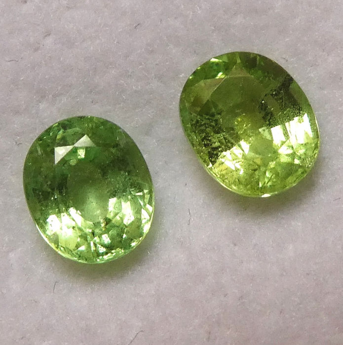 2 pcs  Tsavoriet - 2.48 ct