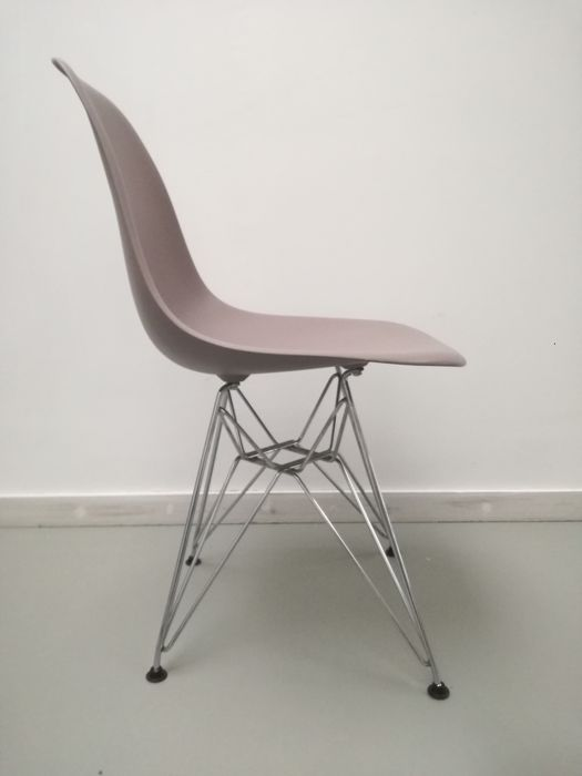 Bauhaus Look Stoelen.Charles Eames Ray Eames Vitra Chair Dining Room Chair Dsr