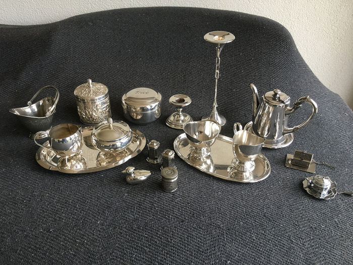 Cream sets + coffee pot (17) - Silver plated - Netherlands - 1950-1999