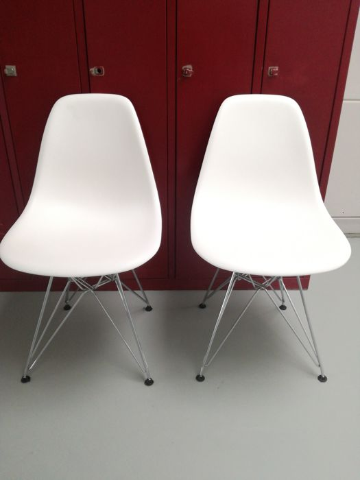 Charles & Ray Eames - Vitra - chairs, model DSR (2)