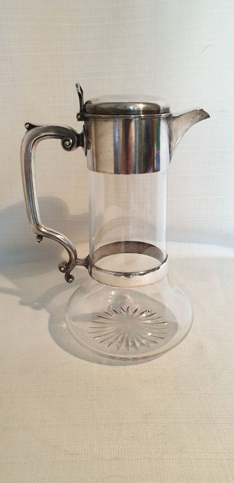 Cut glass juice jug in silver plated holder - Cut glass and silvered - Europe - 1950-1999