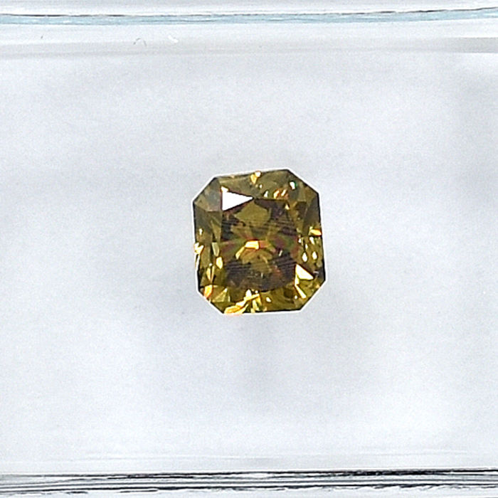 Diamond - 0.53 ct - Radiant - Natural Fancy Deep Orangy Brownish Yellow - Si2 - NO RESERVE PRICE
