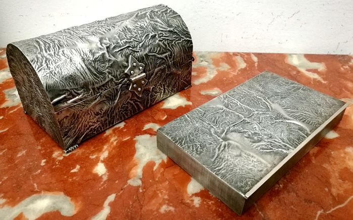 """Very Rare Boxes with """"Seabed"""" Processing (2) - .800 silver - Italy - mid 20th century"""
