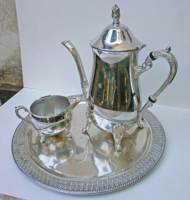 Teapot, bric and tray - Silverplate - Italy - First half 20th century