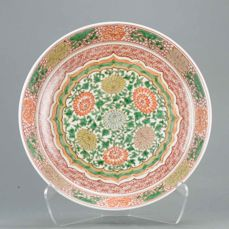 Bord - Familie verte - Porselein - Rare SE Asian Buddhist Design - China - Kangxi (1662-1722)