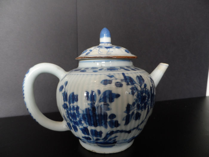 Theepot - Blauw en wit - Porselein - China - Qianlong (1736-1795)