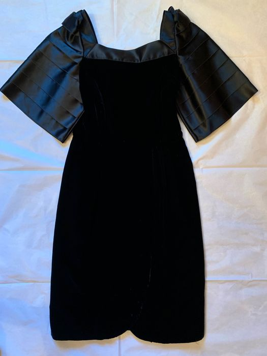 a9b9261b66d Versace - Party dress No reserve price! Very vintage - Catawiki