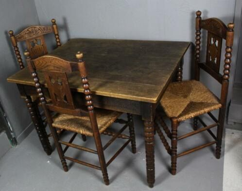 Dining area: A table with three chairs - Wood / Reed Curio Bric-à-brac for sale