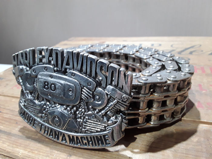 Odzież - Harley Davidson riem - originele brass buckle 1982 met motorketting - 1983