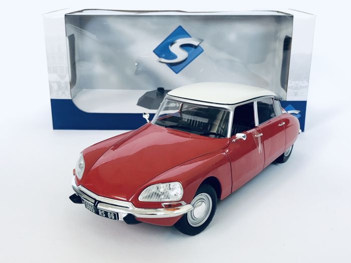 Solido - 1:18 - Citroen DS Special 1972 (Pastel Red Cream)