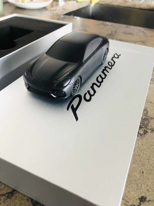Decorative object - Porsche Panamera E2 - Solid metal Paperweight - Black matte edition - 2016