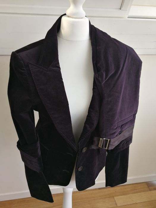 3ff07a706 Gucci - Jacket and Pants, Suit - Catawiki