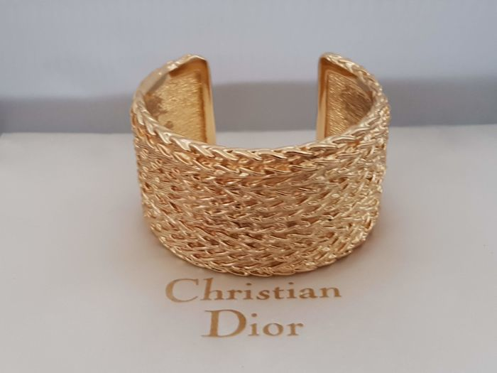 833462dca71096 gold plated - Christian Dior vintage clamper bracelet - Catawiki