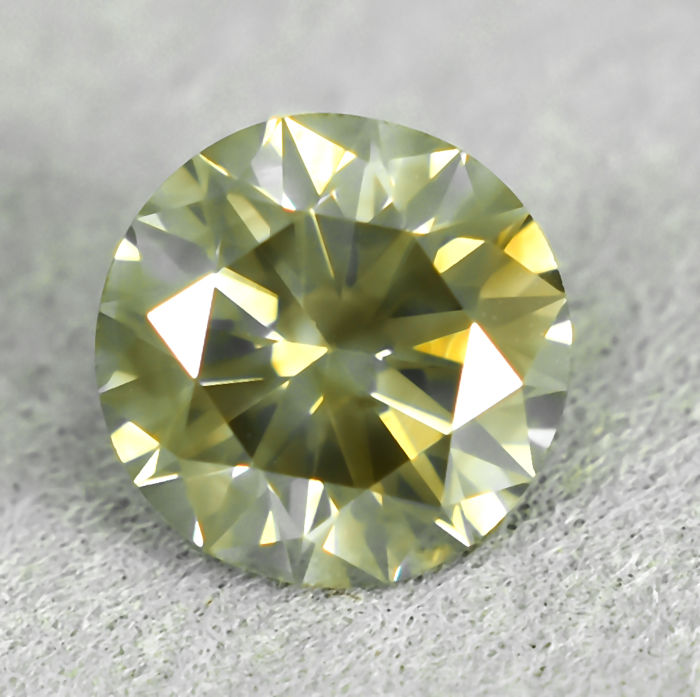 Diamond - 1.10 ct - Brilliant - Light Yellowish Brown - I1