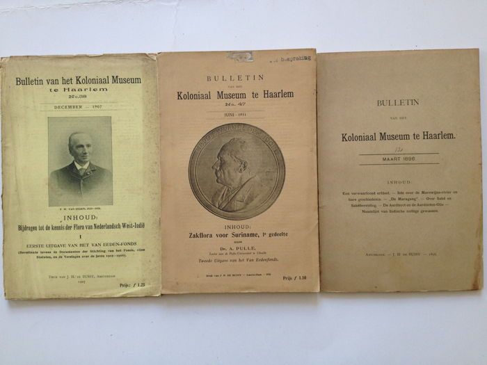 (Koloniaal Museum Haarlem) D.A. Pulle e.a. - Zakflora voor Suriname I + 2 andere publicaties over Suriname - 1896/1907