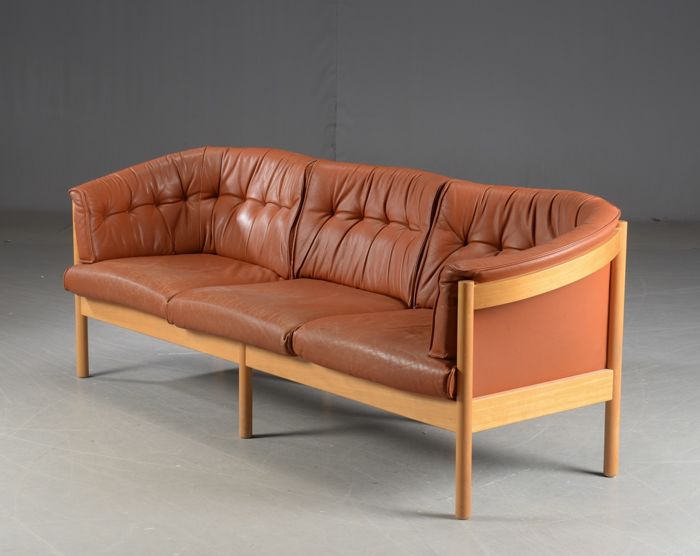 Nielaus - Design sofa in brown leather, model \