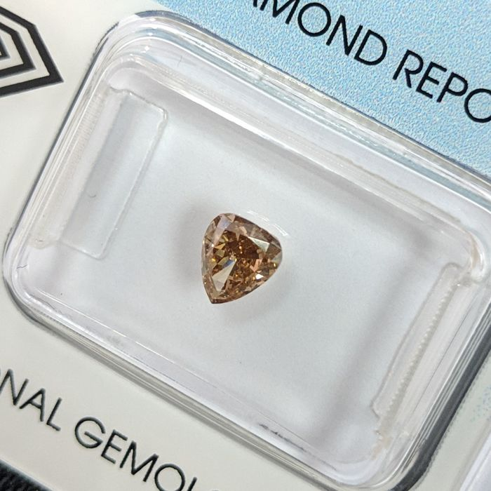 Diamond - 0.51 ct - Pear - fancy deep brown - I1, IGI - No Reserve Price