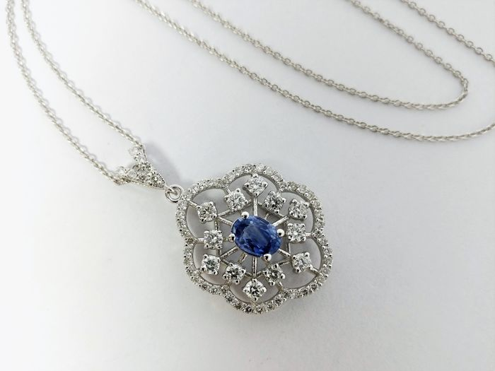18 kt. White gold - Necklace with pendant - 0.67 ct Tanzanite - Diamonds