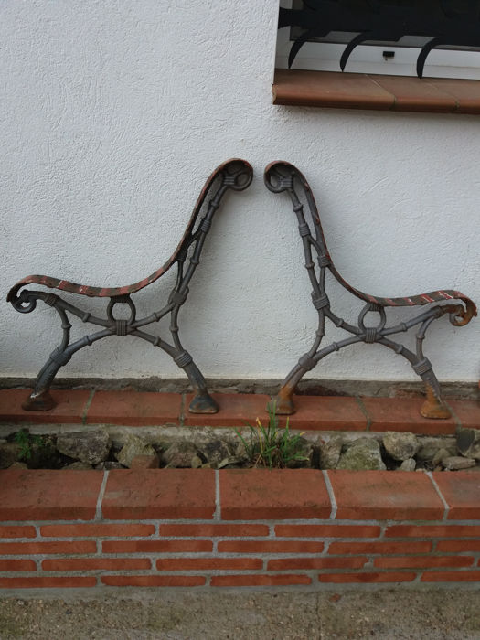 set of elegant park bench supports (1) - cast iron - First half 20th century