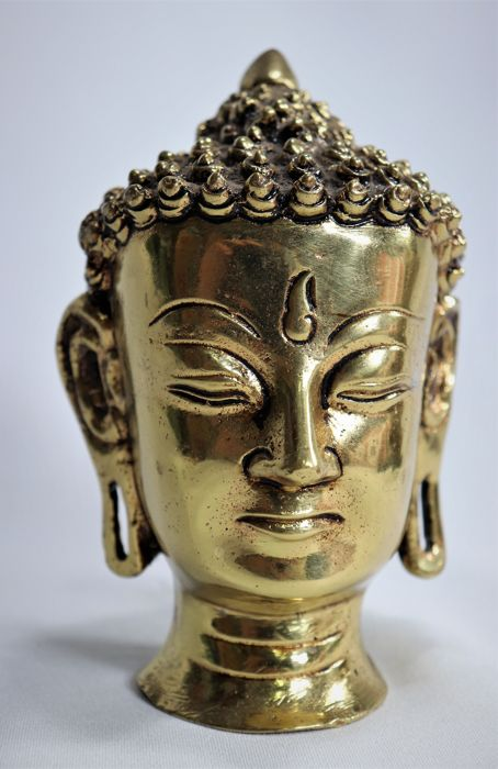 Head of Buddha. (1) - Bronze - Nepal - late twentieth century