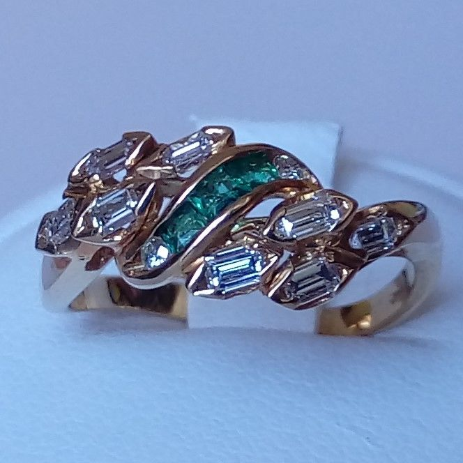 18 kt. Yellow gold - Ring - 0.43 ct Diamond - Emeralds