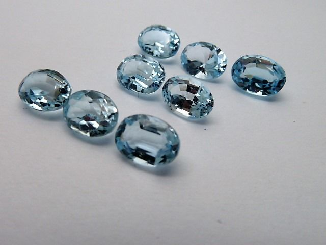 8 pcs  Topaas - 8.31 ct