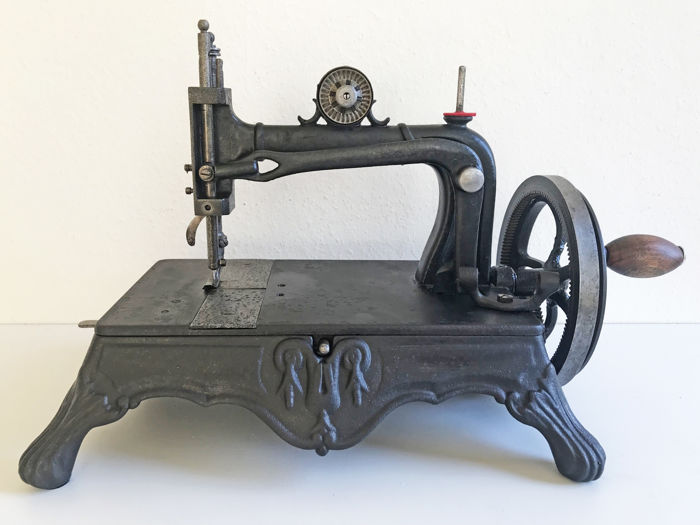 Atlas Sewing Machine Comy, London - Atlas Model A - Justice variant, ca.1860 - Naaimachine - IJzer (gegoten/gesmeed)