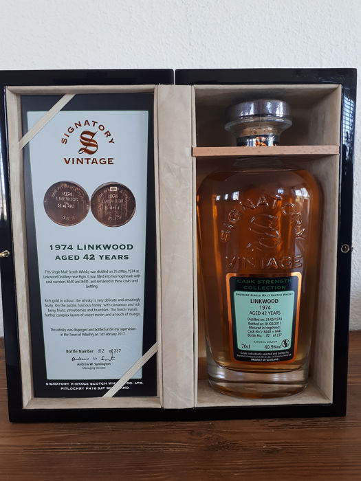 Linkwood 1974 42 years old Cask Strength Collection Rare Reserve (packed in wooden case) - Signatory Vintage - b. 2017 - 70cl