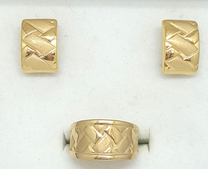 18 kt. Yellow gold - Earrings, Ring