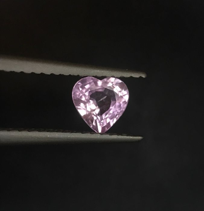 Pink Sapphire - 0.68 ct
