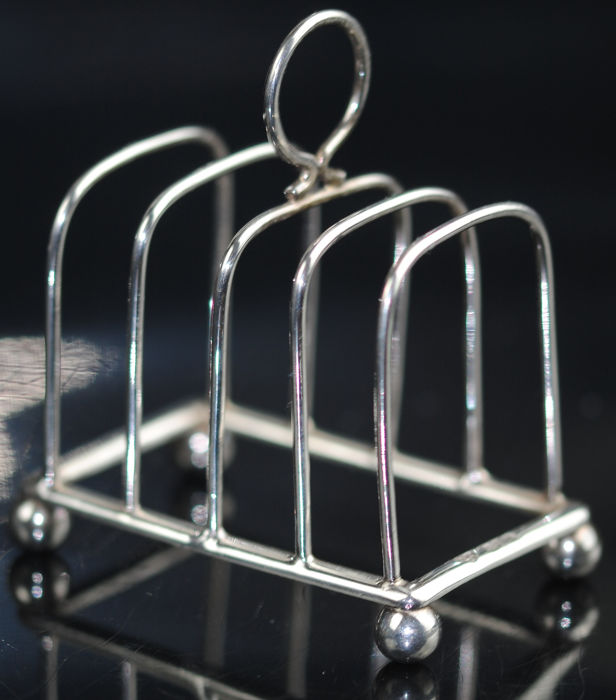 Edwardian Toast Rack - .925 silver - Jay, Richard Attenborough Co Ltd of Chester - U.K. - 1910