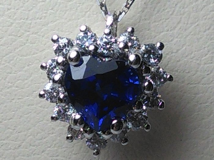 18 kt. White gold - Necklace with pendant Diamond - Sapphire