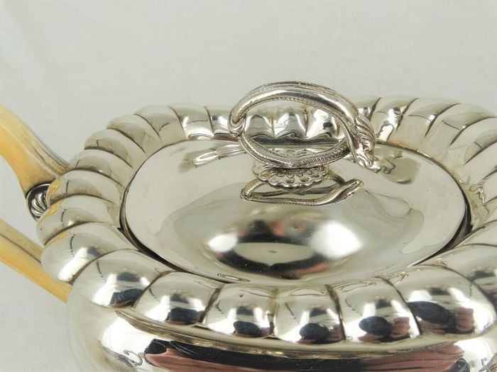 The  Coffee Shop Amsterdam Heavy Metal Metal Ashtray in Gold or Silver