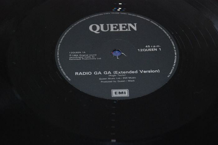 Queen - We Are The Champions - Somebody To Love +