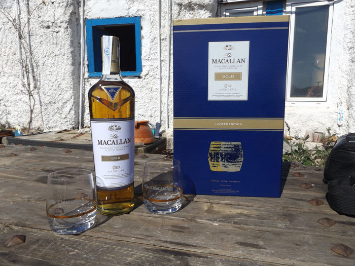 Macallan Gold Limited Edition 2012 with glasses - 0.7 Litres