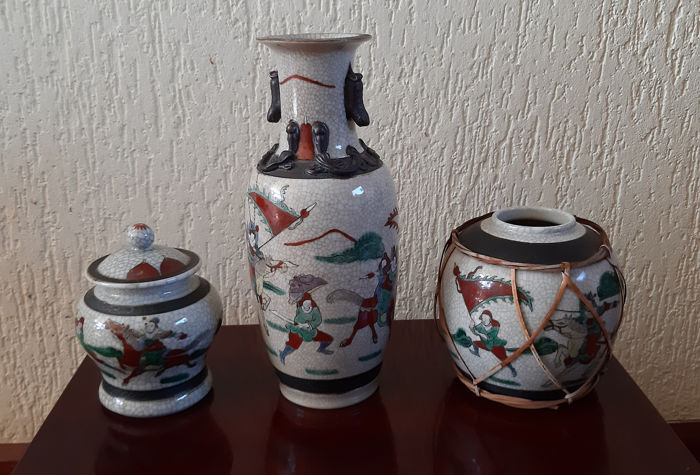 Vases (3) - Nanking - Porcelain - China - Second half 20th century
