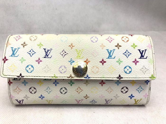 Louis Vuitton - white long (no reserve price) Wallet