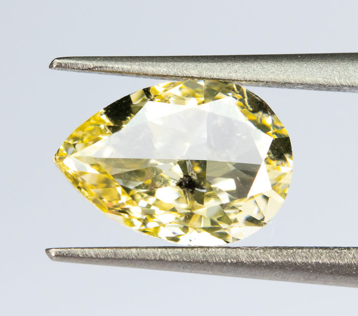 Diamond - 1.00 ct - Natural Fancy Yellow - SI2  *NO RESERVE*