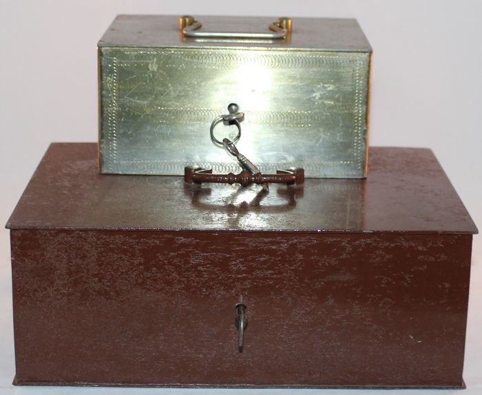Money box (2) - Iron (cast/wrought)